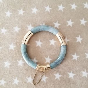 Jewelry - vintage 14k jade bangle